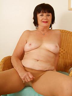 Granny Nylon Pics