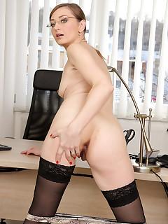 Secretary Nylon Pics