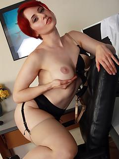 Redhead Nylon Pics