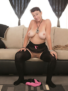 Older Women Nylon Pics