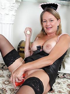 Older Women Nylon Pics