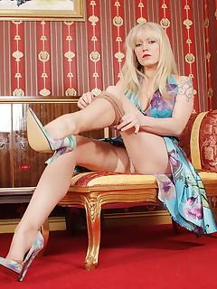 Sexy Legs Nylon Pics
