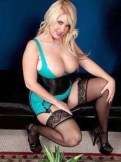 Sexy Women Nylon Pics