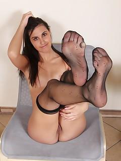 Feet Nylon Pics